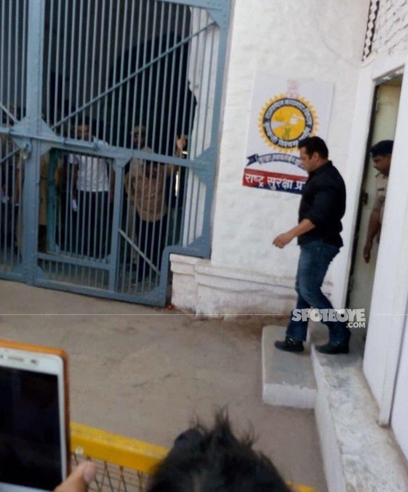 salman khan in jodhpur jail