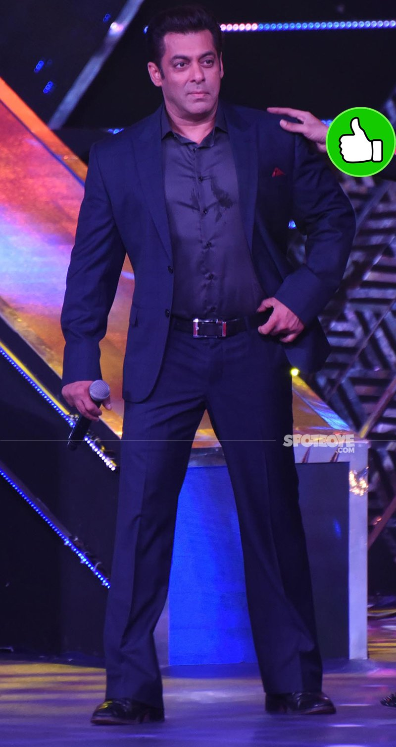 salman khan on stage for iffi finale