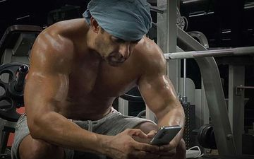 Salman Khan Shares A Post Workout Shirtless Picture; Fans Gush And Scream 'Mar Dala' – Take A Look