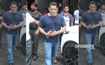 Salman Khan Sticks To His Trademark Dull T-Shirt And Jeans For Arpita Khan Sharma's Ganesh Chaturthi Celebrations: Pics Here