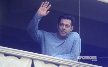 IN PICTURES: Salman Khan Says Eid Mubarak To His Fans