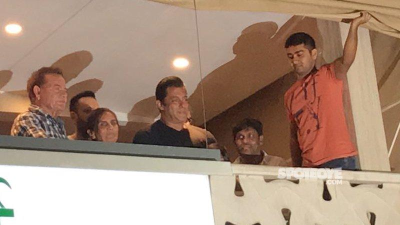 salman khan with parents