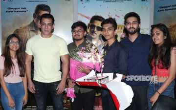 Dabangg 3: Salman Khan's Birthday Comes Early; Badnaam Munna Cuts Cake With Fans