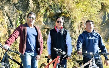 सलमान खान ने अरुणाचल प्रदेश में किरण रिजिजू संग साइकिल चलाई, देखिये वीडियो