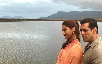 Dabangg 3: Salman Khan AKA Chulbul Pandey Romances Newbie Saiee Manjrekar In This New Still From Their Film