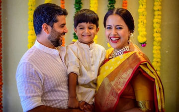 Sameera Reddy Shares Godh Bharai Photos; Looks Ethereal In A Kanjeevaram Saree