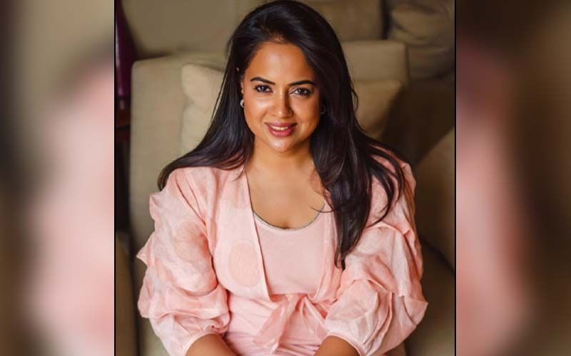Sameera Reddy's Low-Cost, DIY Pack Is Perfect For Your Hair Woes; Know What It Is