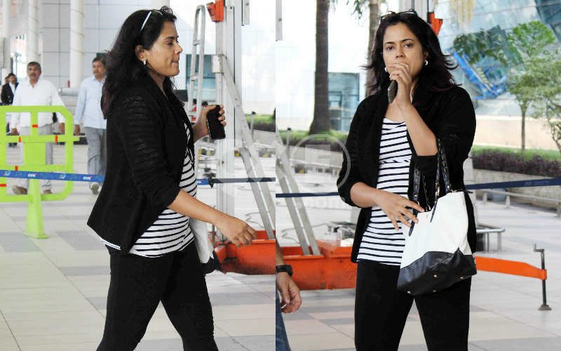 Sameera Hides Her Baby Bump