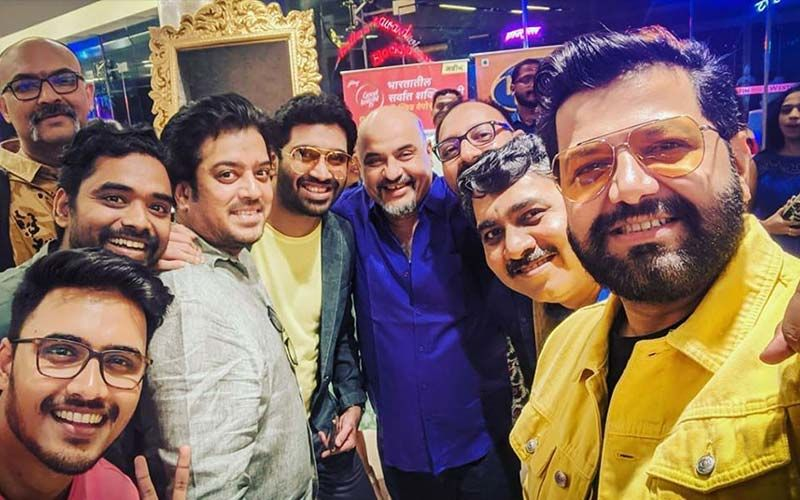 Avadhoot Gupte's Selfie That Includes Every Marathi Musical Genius Goes Viral Across Media