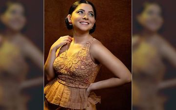 Sonalee Kulkarni Charms Her Fans Yet Again In An Ethnic Gown And Mesmerizing Beauty