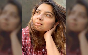 Sonalee Kulkarni Bedazzles Her Fans With Her Wind-In-The-Hair Look In Lockdown