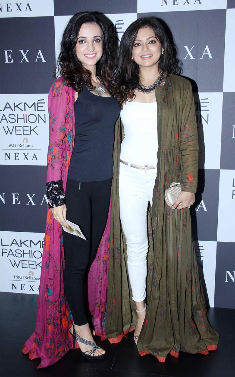 sanaya irani and drashti dhami at lakme fashion week 2017