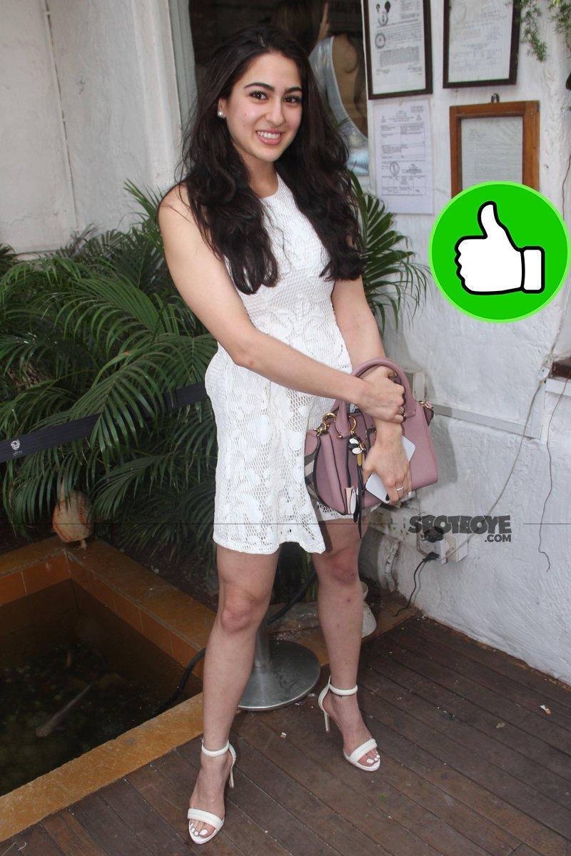 sara ali khan snapped at an salon