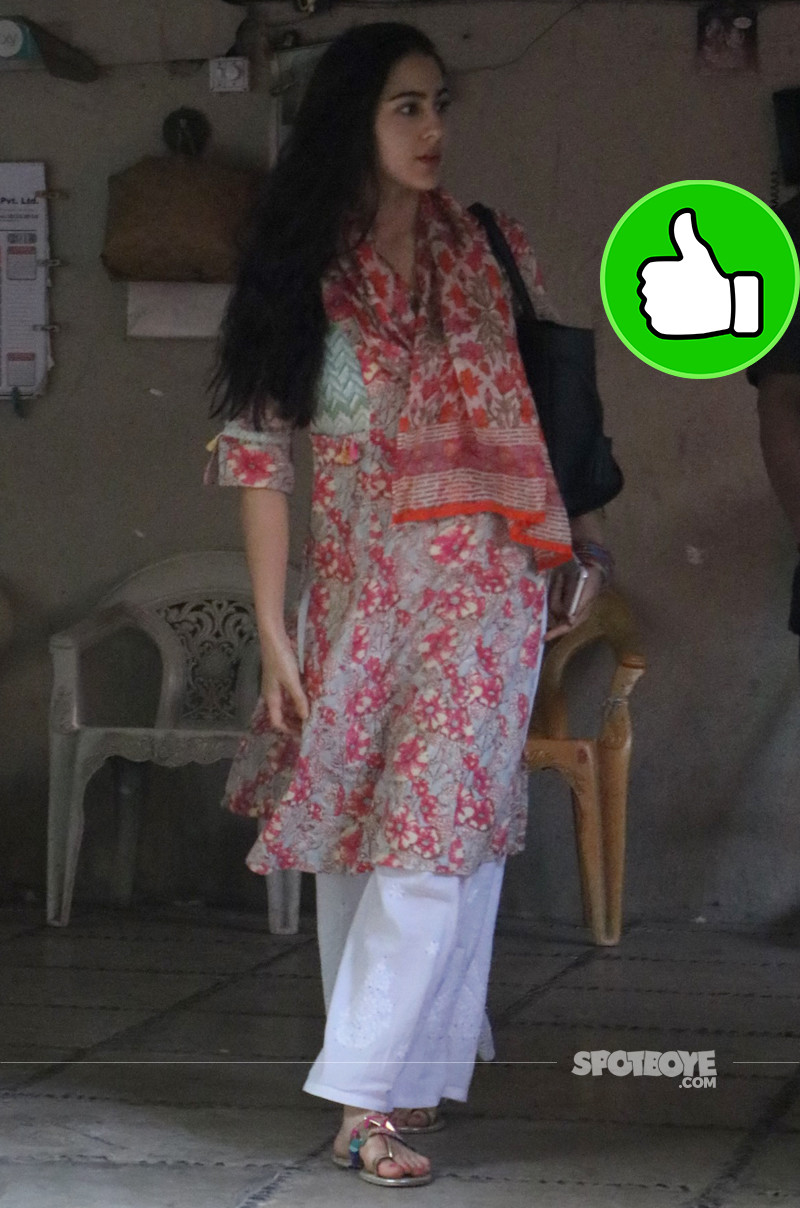 sara ali khan spotted outside abhishek kapoor office