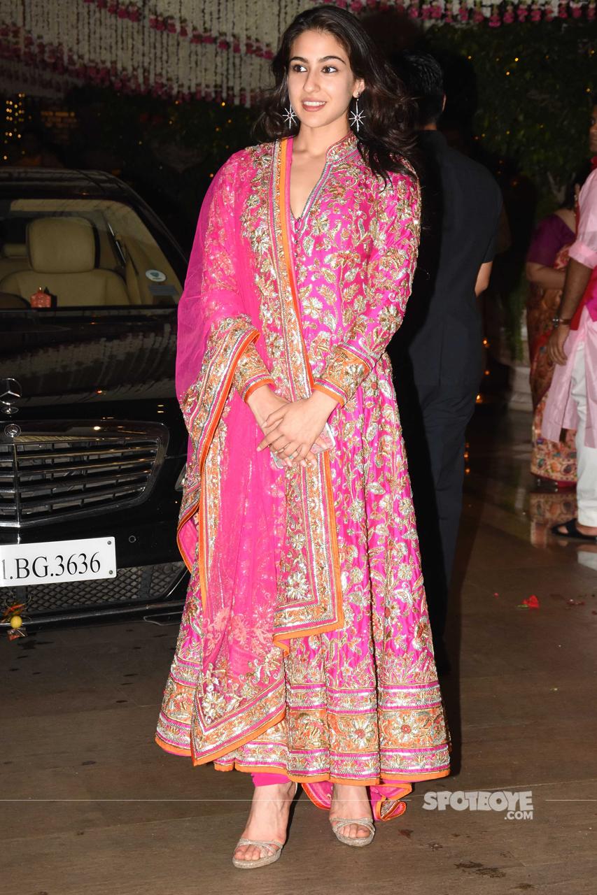 sara ali khan will debut with kedarnath