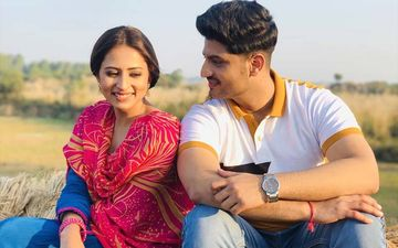 Sargun Mehta Shares BTS Pictures From The Set Of Sohreyan Da Pind Aa Gaya