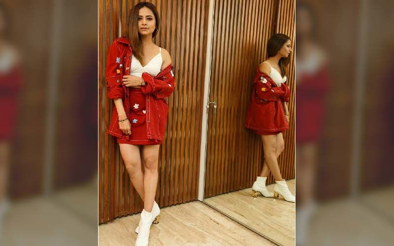 Sargun Mehta Teams Sexy Bustier Top With Red-Hot Jacket; Shells Out Fash Goals