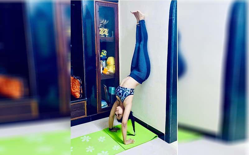 International Yoga Day: Sayali Sanjeev, Madhavi Nemkar, Smita Gondkar, And Purniemaa Dey Flaunt Their Perfect Bodies Doing Yogasanas