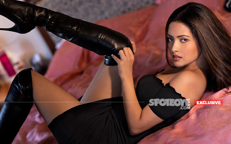 Sexy Riya Sen Set To Sizzle In Poison