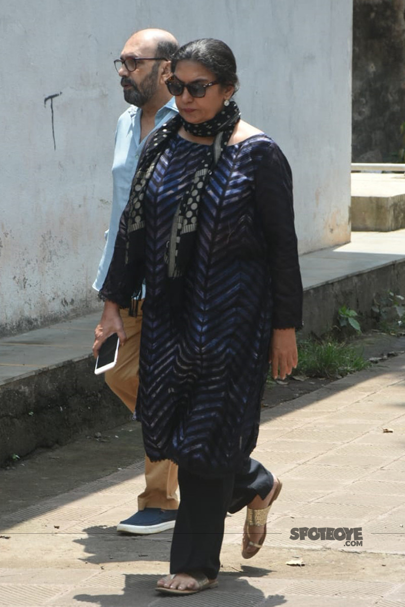 shabana azmi at the funeral