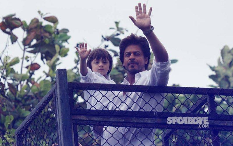 Shah Rukh Khan & AbRam Greet Fans Outside Mannat On Eid
