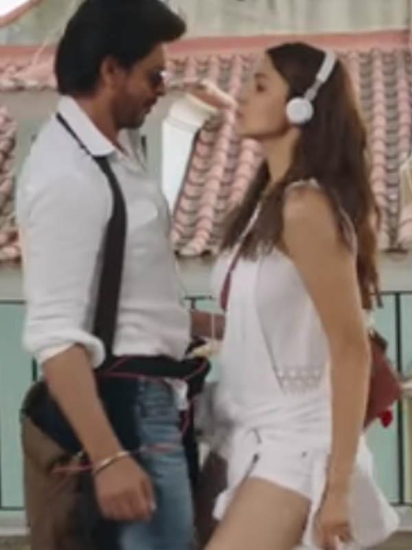 shah rukh khan and anushka sharma dance in jab harry met sejal