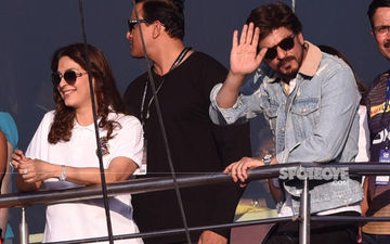 Shah Rukh Khan, Juhi Chawla Cheer For Team KKR From The Stands During IPL Season 12