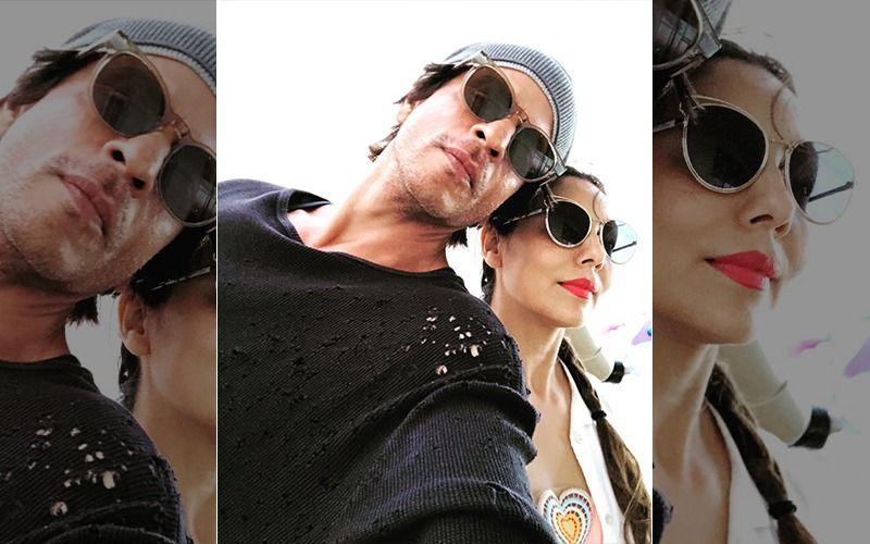"""Shah Rukh Khan Shares A Picture With Gauri Khan On World Theatre Day, Says, """"Being With You Is Like Being On Stage"""""""