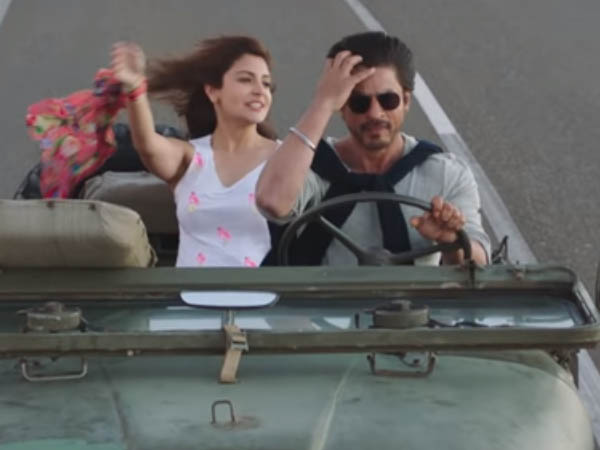 shah rukh khan takes anushka sharma for a ride in jab harry met sejal
