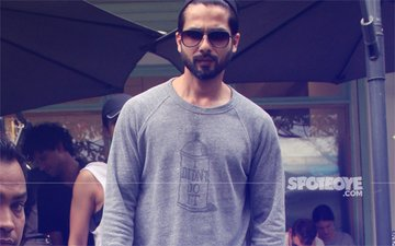 SPOTTED: Shahid Kapoor Keeps It Cool For A Lunch Date In Bandra