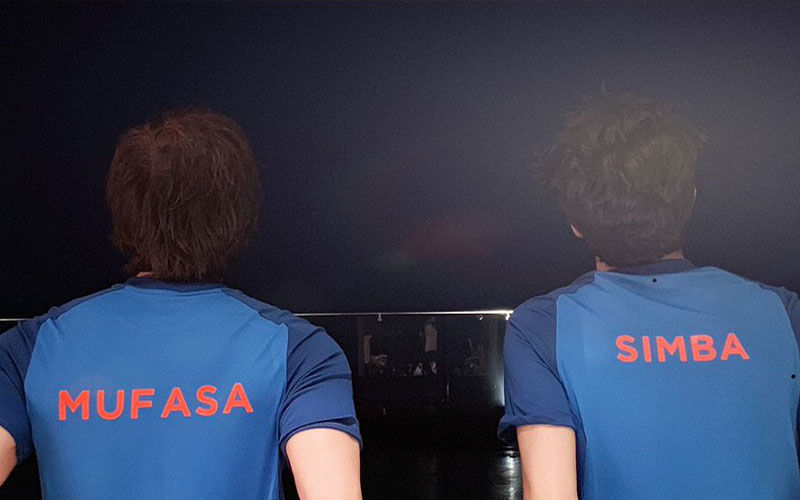 "Shah Rukh Khan And Son Aryan Are Ready For India Vs Pak World Cup Match ""With The Spirit Of Father's Day"""
