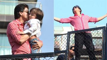 जन्मदिन के मौके पर शाहरुख खान ने एक बार फिर बिखेरा मन्नत पर अपना जलवा, देखिए तस्वीरें