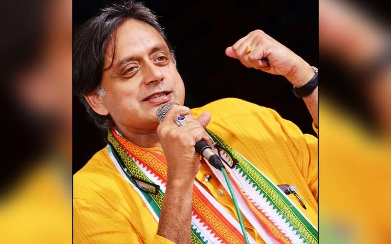 Shashi Tharoor Shares Pic Of An Innovative Kerala Shopkeeper Maintaining Safe Distance From Customers While Buying Essential Commodities During Coronavirus Pandemic