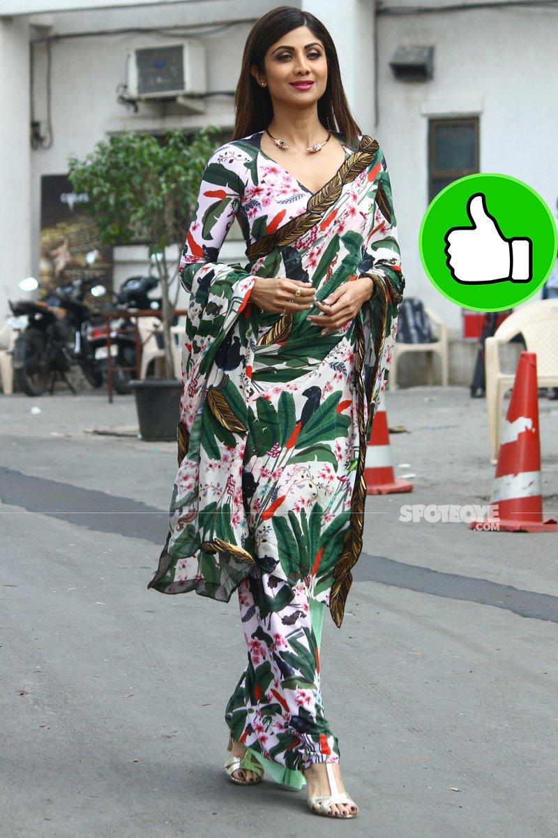 shilpa shetty looks pretty in a green saree