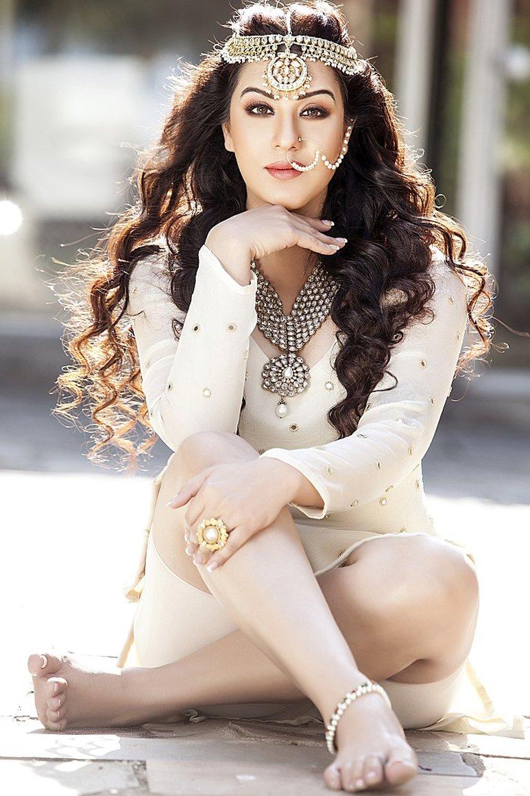 shilpa shinde posing for a photoshoot