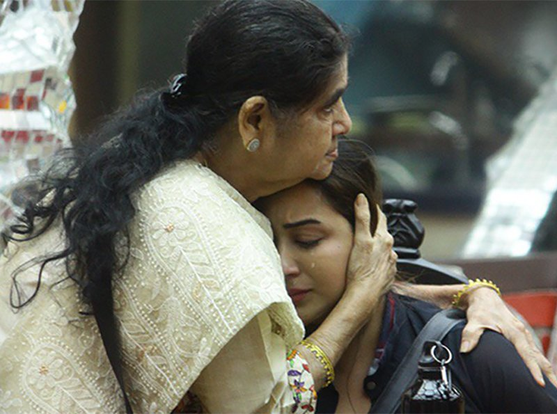 shilpa shinde shares an emotional moment with her mother