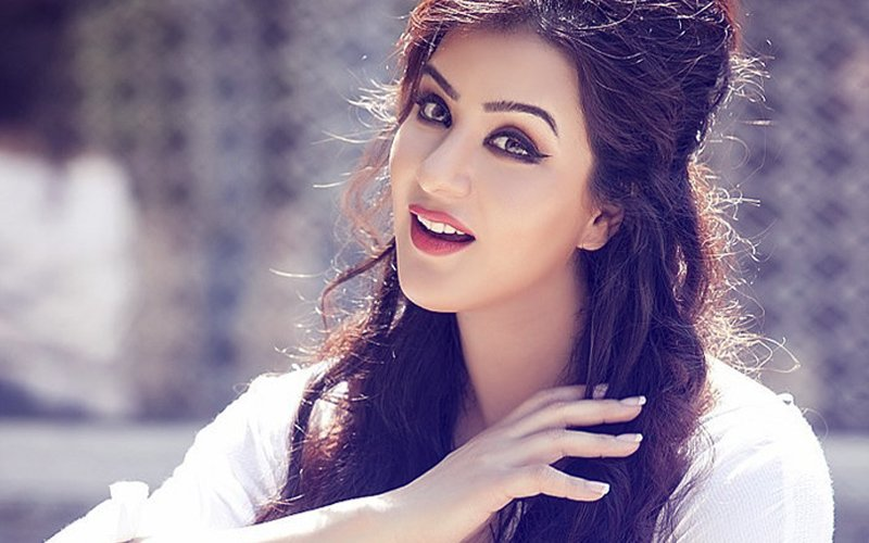 SPOTBOYE.COM POLL: Shilpa Shinde Is The Hot Favourite To Win Bigg Boss 11