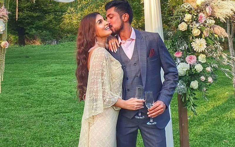 Shiny Doshi Engaged To Boyfriend Lavesh Khairajani
