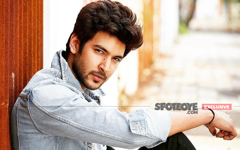 Shivin Narang Reveals If 'Internet Wala Love' Is His Idea Of Romance Or Not!