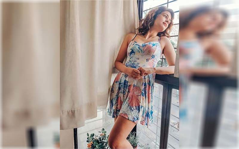 Coronavirus Lockdown: Shraddha Das Dedicates Bollywood Song 'Babuji Dheere Chalna' To Ludo Players