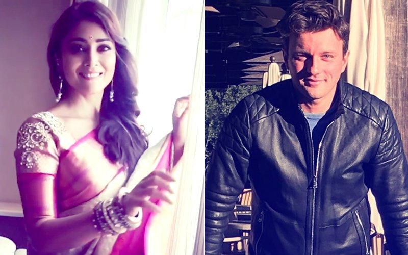 अजय देवगन के साथ फिल्म 'दृश्यम' में स्क्रीन शेयर कर चुकी एक्ट्रेस श्रिया शरण ने की चुपके से शादी