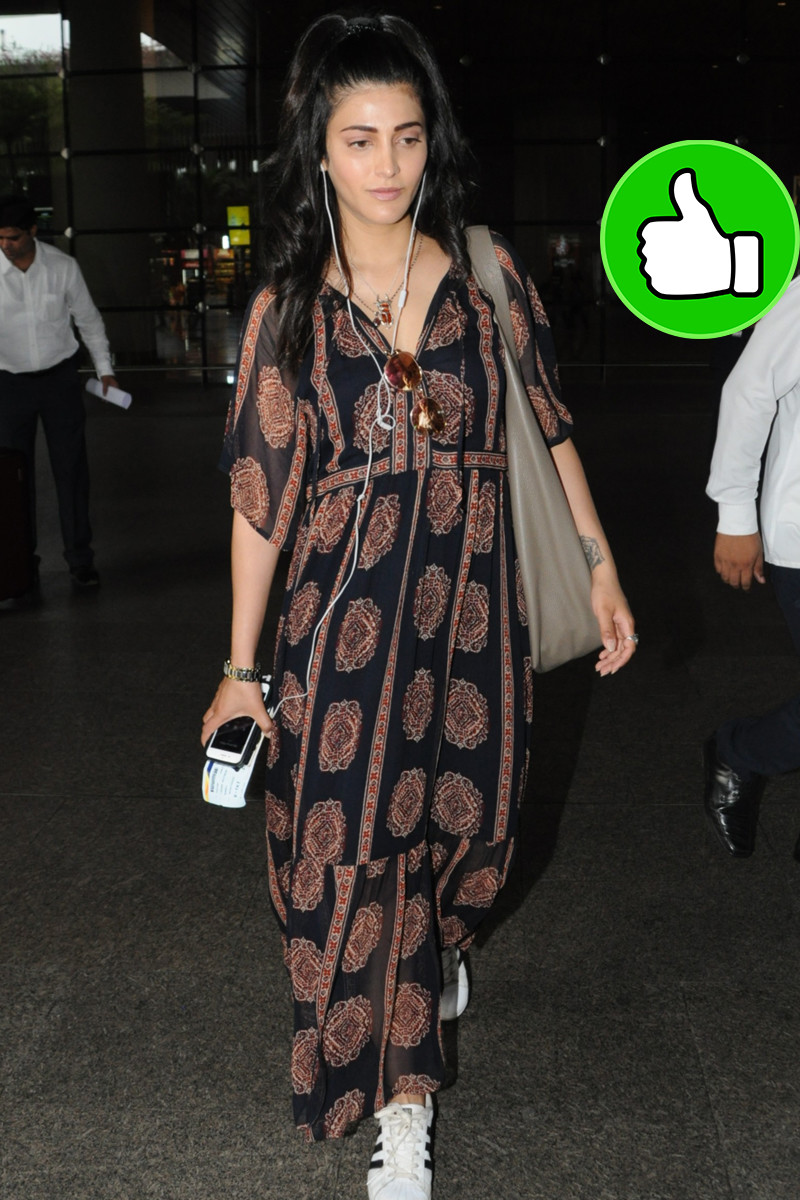 shruti haasan at the airport