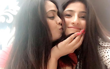 Shweta Tiwari And Daughter Palak Tiwari Pose For A Happy Family Portrait, Days After The Abhinav Kohli Controversy