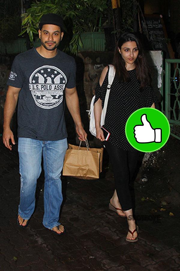 soha ali khan and kunal kemmu outside a restaurant in bandra