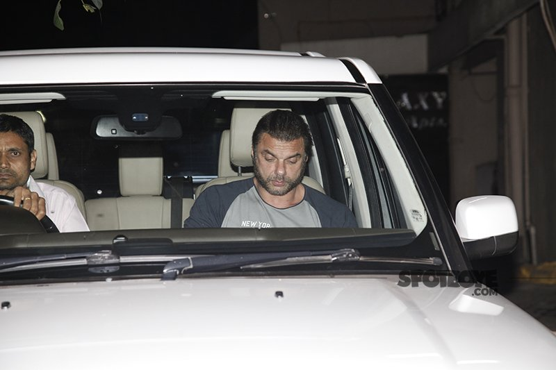 sohail khan at dad at salim khan s birthday bash