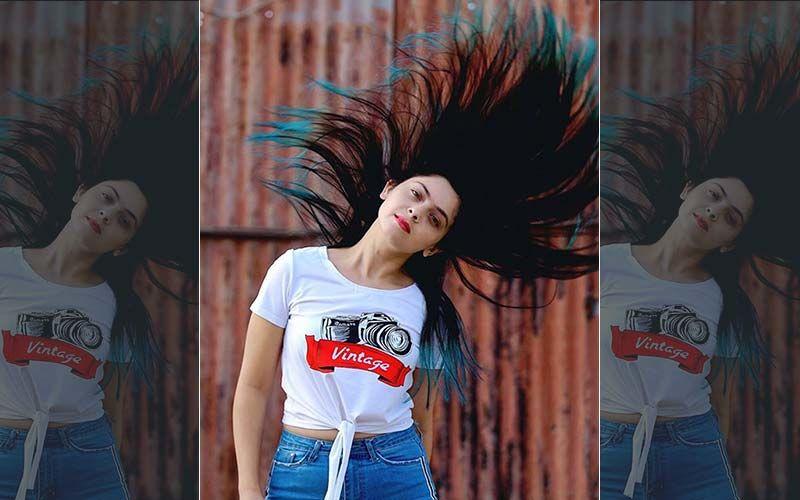 Sonalee Kulkarni: Setting The Teal Ends Hair Trend