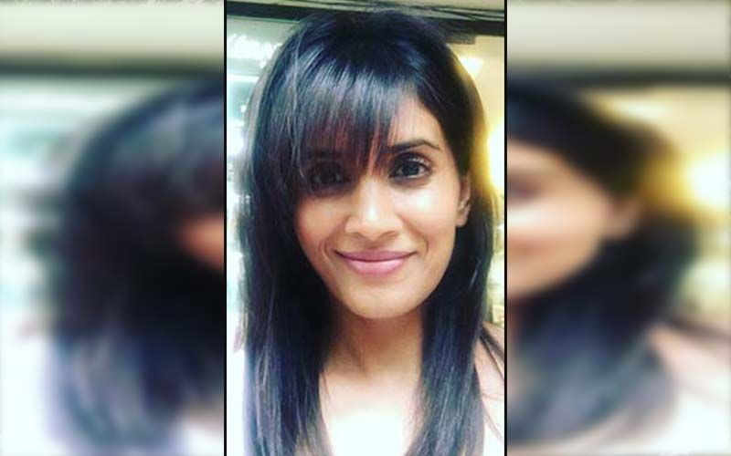 Sonali Kulkarni Get's Her Shot Of Covid-19 Vaccine, Urges Fans To Get Vaccinated Soon