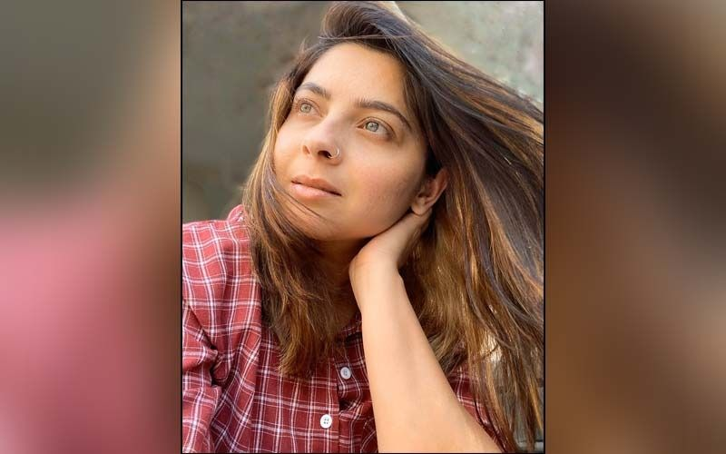 Sonalee Kulkarni Knows How To Flaunt Her Saree Collection, Catch This New Photo Series