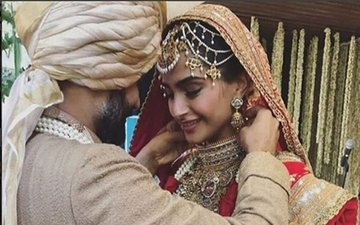 Candid Pics From Sonam Kapoor & Anand Ahuja's Big Fat Punjabi Wedding