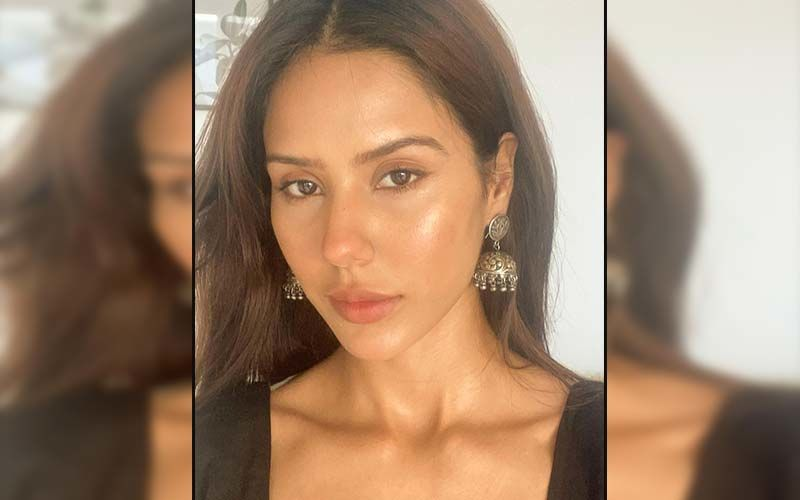 Sonam Bajwa Takes The Internet By Storm In A Sassy Casual Outfit; Shares Pics On Insta